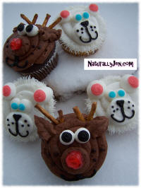 Christmas Reindeer Cupcakes and Polar Bear Holiday Cupcake